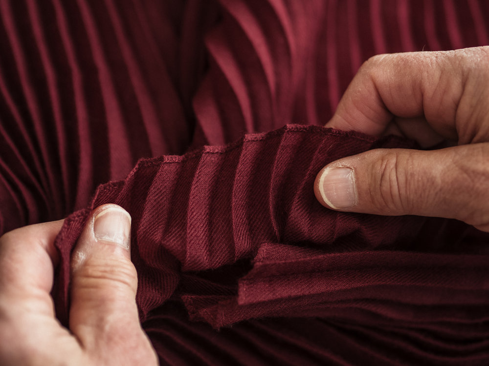 hands-burgundy1.jpg