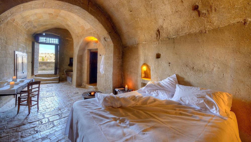 Image:  La Grotta Della Civita