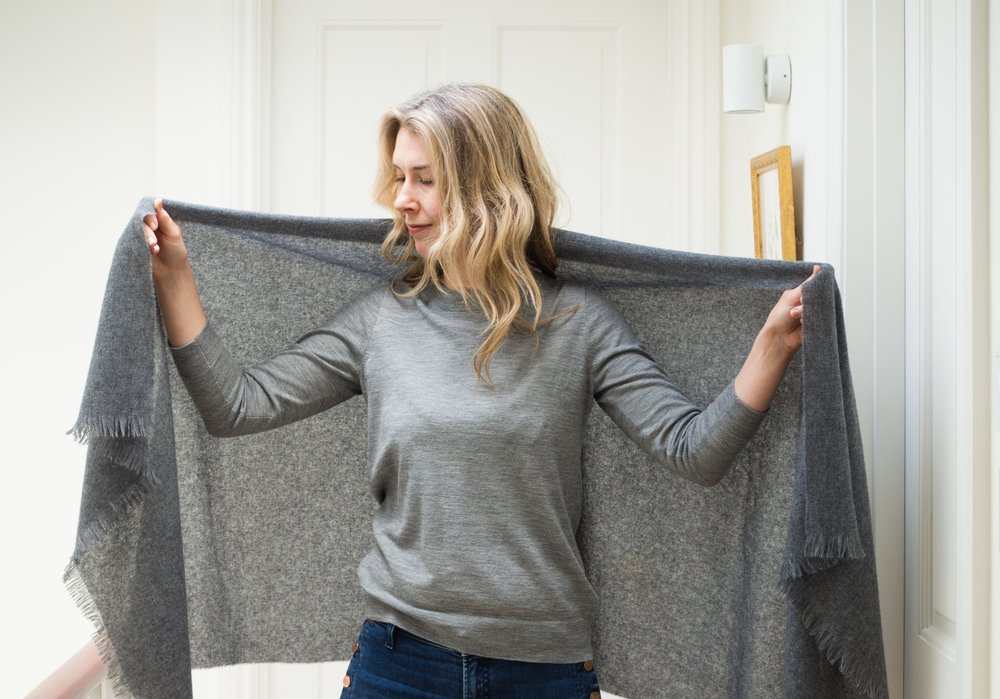 How to tie a cashmere scarf by Lois Avery