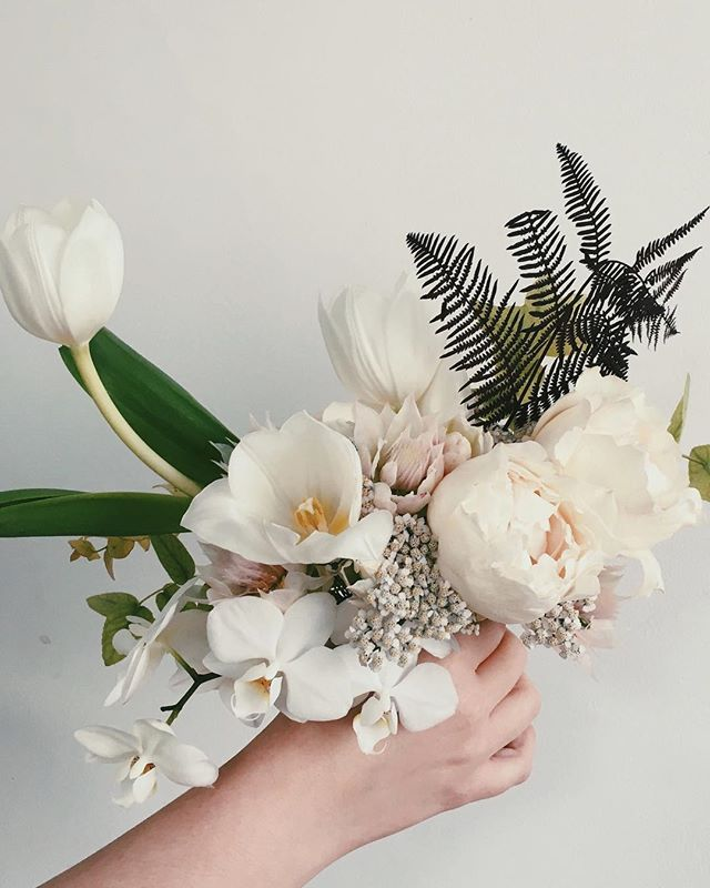 Not sure where to start with this wedding... - it was BEAUTIFUL! A Japanese-English-German fusion of the finest taste; every last detail designed by @hilde.stories stories was 👌🏼 Briefs like this give me joy 🙌 ...Watch out for orchid spam! #stilllifeflowers #hildestories #weddingflowers #weddingbouquet #ikebana #orchids