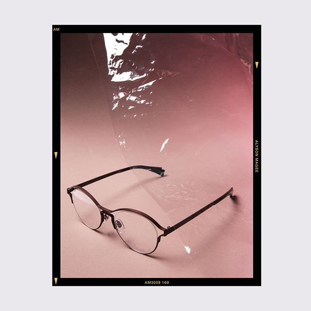 Introducing snapshots of the 2019 Collection. AM3009 ⠀⠀⠀⠀⠀⠀⠀⠀⠀ An expression of lightness and whimsy sees floating rimless lenses cradled in this modern unisex optical frame. ⠀⠀⠀⠀⠀⠀⠀⠀⠀ @ekeyewearopticians today!  #alysonmagee #lisburnroad #optical