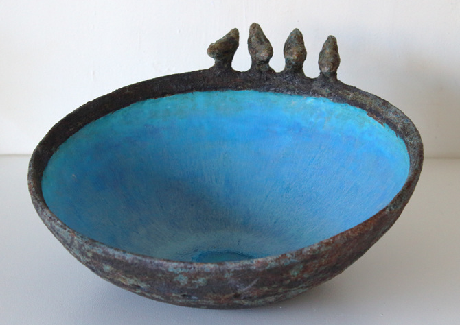 Title: Four birds bowl Medium: Ceramic stoneware SOLD