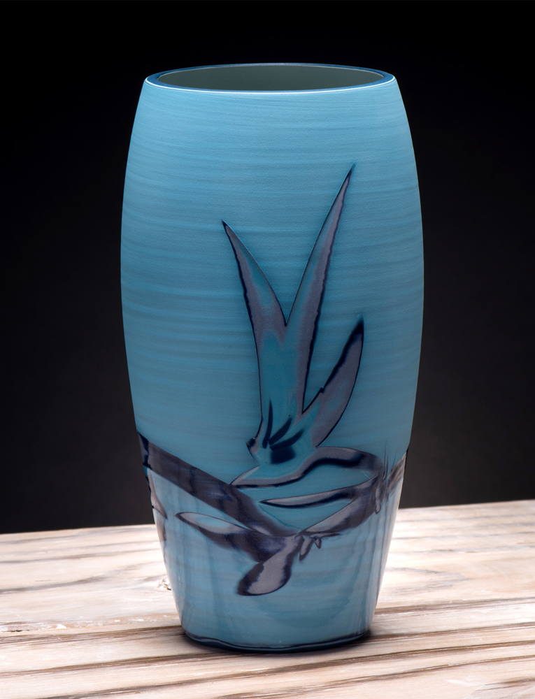 Title: Curved Vase Medium - Coast Series 2 Size: H 22.5cm x W 11cm x D 11cm Medium: Ceramic