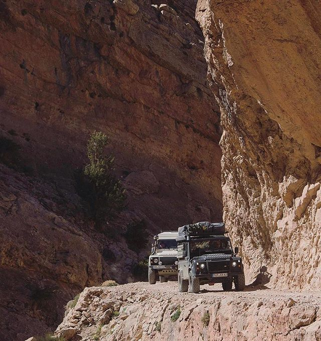 See you out there 📷:@4x4experience⠀ .⠀ .⠀ .⠀ .⠀ .⠀ #beautiful #morocco #canyon #mountains #valley #atlasmountains #africa #nature #stunning #awesome #potd #breathtaking #traveling #travel #travelgram #travelgram #adventure #landrover #landy #landroverdefender #theoriginal #offroad #exploring #photooftheday #explorer #exploretocreate #bfgoodrich #seeyououtthere #adventuremobile #lostrover