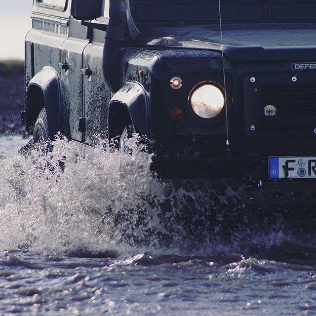 🌊🦏⚡️📷: @4x4experience:⠀ .⠀ .⠀ .⠀ .⠀ .⠀ #iceland #rocks #river #black #hills #vanlife #fun #travel #travelgram #reflections #stones #overlanding #letsgoplaces #adventure #adventurevehicle #landrover #landroverdefender #defender110 #details #car #offroad #offroading #expedition  #adventureisoutthere #explorer #nature #splash #water #overland