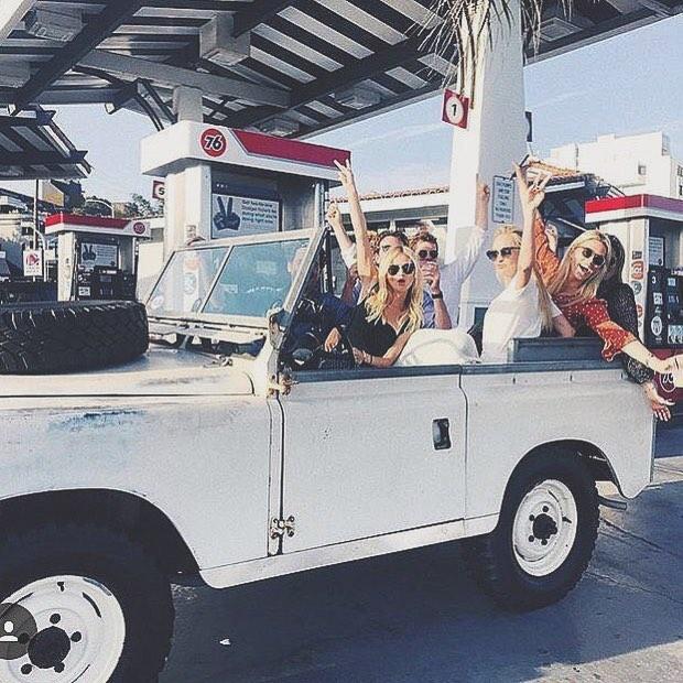 💭🏆@defendergirls @natalie⠀ .⠀ .⠀ .⠀ .⠀ .⠀ #landrover #landroverdefender  #girls #defender #summerlove #defenderlove #adventurethatislife #adventures #woman #adventuremobile #beautiful #surf #beach #fun #beauty #gentlemanchannel #happiness #attractive #keepitclassy #summerfun #classygirl #surfgirl #abbotkinney #mulhollanddrive #montauk #huckberry #drivetastefully #lostrover