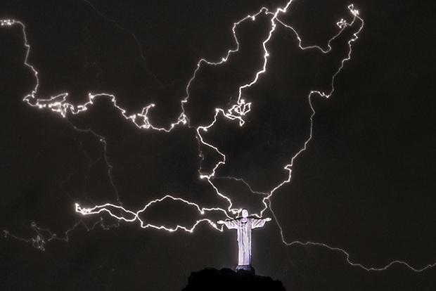 lightning-001.jpg