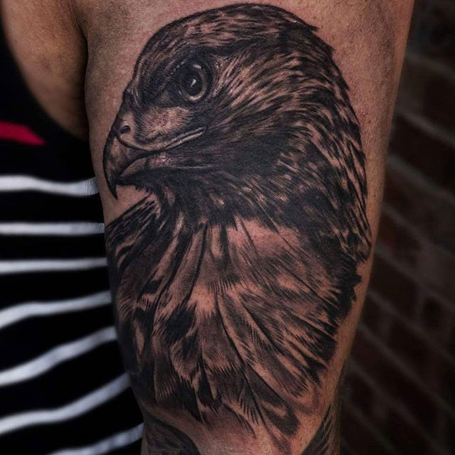 Beautiful Red Tailed Hawk done by our artist @gazfarmertattooist booking up for October now so get in quick! Thismortalcoiltattoo@gmail.com