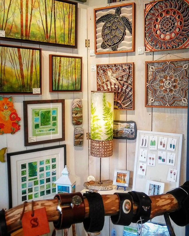 There's something for everyone at Artisans on Main! Shop local this season with these perfect gifts for the art lover in your life.  14 N Main Street, Weaverville, NC  #shoplocal #locallymade #artsandcrafts #artgallery #thingstodo #giftideas #giftsforthehome #artisansonmain #wnc #northcarolina #nc #ncart #interiordesign #gifts #buylocal #artisans #art #handmade #handcrafted #weaverville #homedecor #holidaygifts #gifts #artstudios