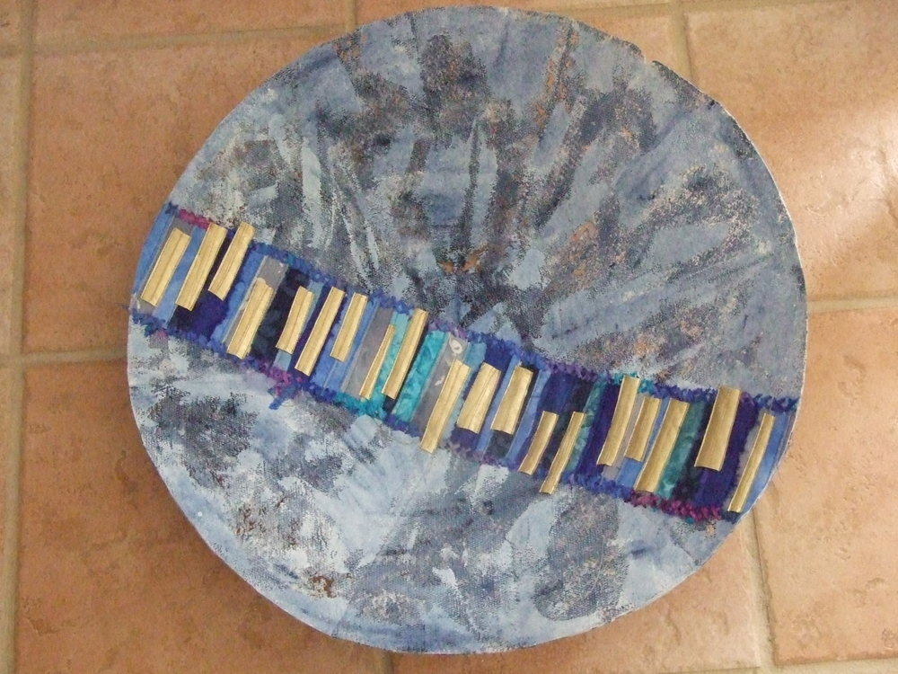 Mixed media seamless bowl #2 by Laura Thompson
