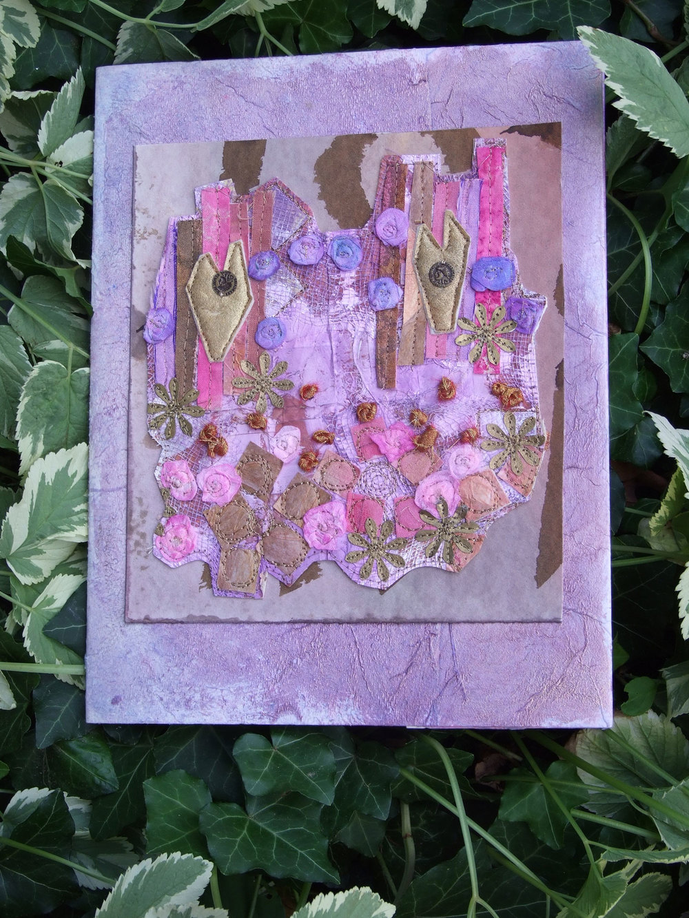 Mixed media art journal by Laura Thompson