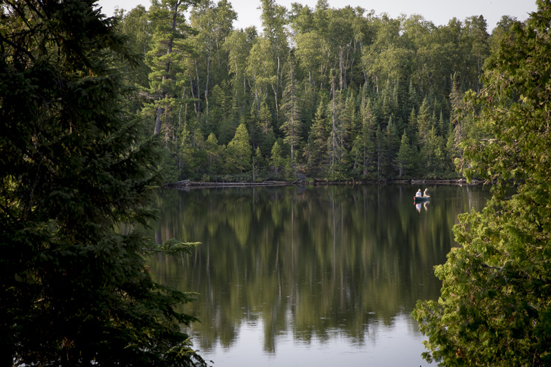 01-boundary-waters-canoe-area-wilderness-bwcaw-beauty-still-water-fishing-northern-minnesota-melanie-mahonen-photography