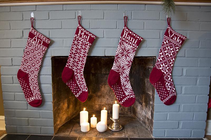 02-hand-knit-family-christmas-stockings-melanie-mahonen-photography