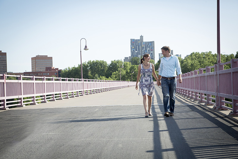 03-minneapolis-bridge-engagement-session-casual-melanie-mahonen-photography