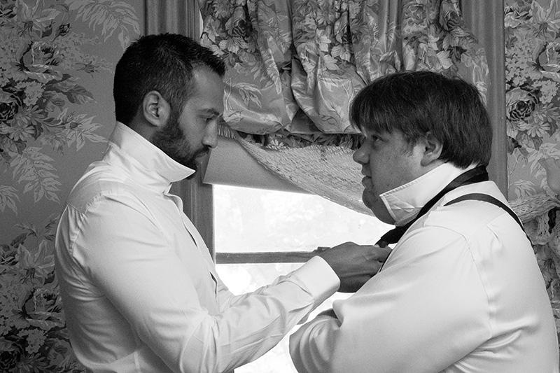 04-groom-best-man-getting-ready-wedding-day-melanie-mahonen-photography