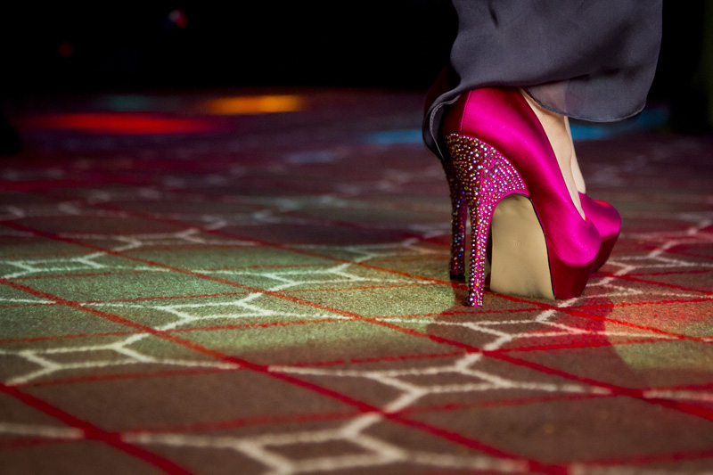 09-wedding-reception-dance-pink-bling-shoe-melanie-mahonen-photography