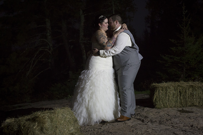 14-north-shore-minnesota-backyard-wedding-bride-groom-night-portrait-melanie-mahonen-photography