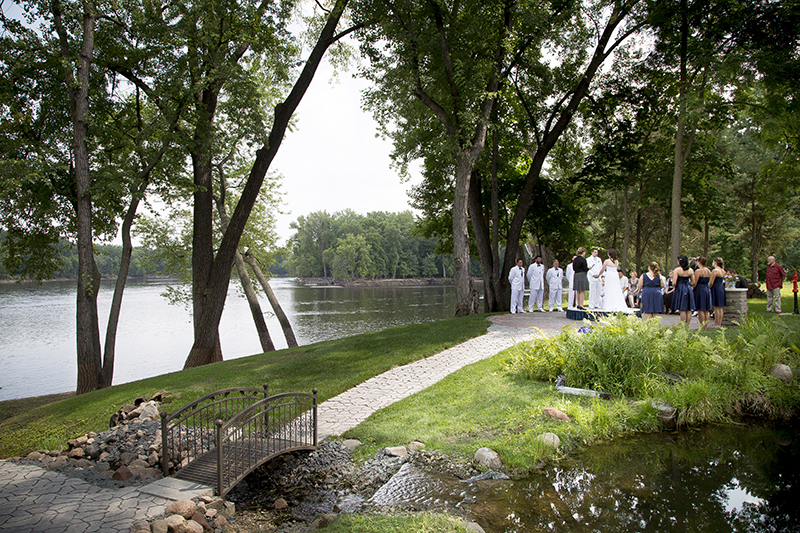 brooklyn-park-mississippi-river-minnesota-backyard-wedding-ceremony-garden-melanie-mahonen-photography