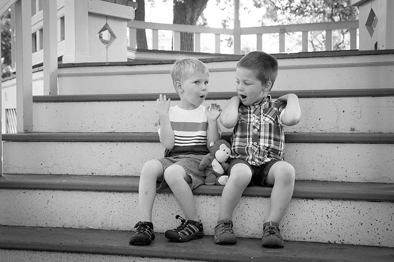 photographing-boys-outtake-spring-mini-session-melanie-mahonen-photography