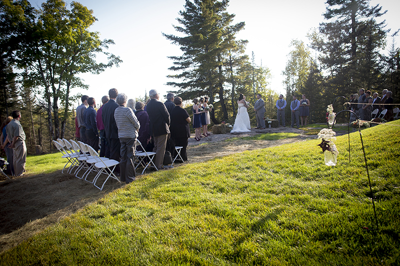 two-habors-minnesota-north-shore-lake-superior-fall-wedding-ceremony-melanie-mahonen-photography