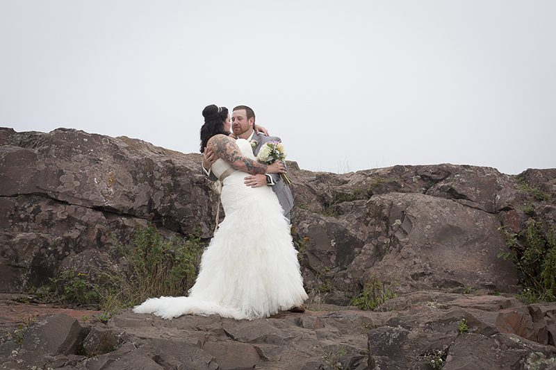 two-harbors-wedding-day-bride-groom-casual-portrait-north-shore-minnesota-lake-superior-fag-rocks-melanie-mahonen-photography