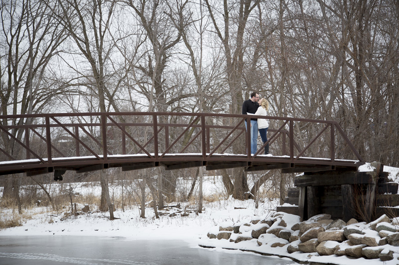 04-theodore-wirth-park-winter-wonderland-engagment-session-bridge-golden-valley-minnesota-melanie-mahonen-photography