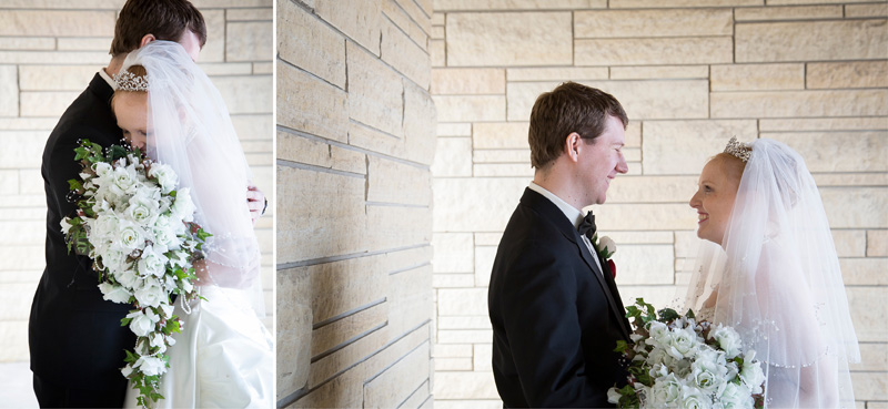 05-peace-lutheran-church-coon-rapids-minnesota-winter-christmad-wedding-outside-natural-light-melanie-mahonen-photography