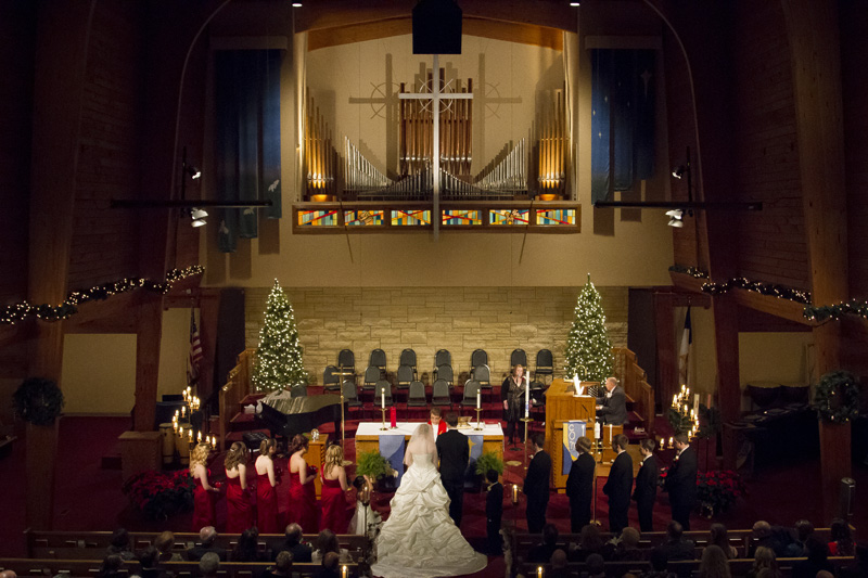 13-peace-lutherna-church-coon-rapids-minnesota-christmas-winter-wedding-melanie-mahonen-photography