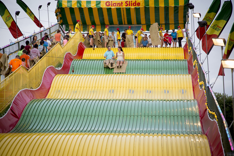 01-minnesota-statefair-engagment-session-big-slide-melanie-mahonen-photography