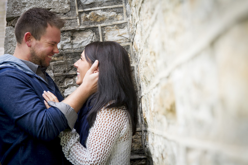 03-fall-engagment-session-happy-couple-faribault-minnesota-melanie-mahonen-photography