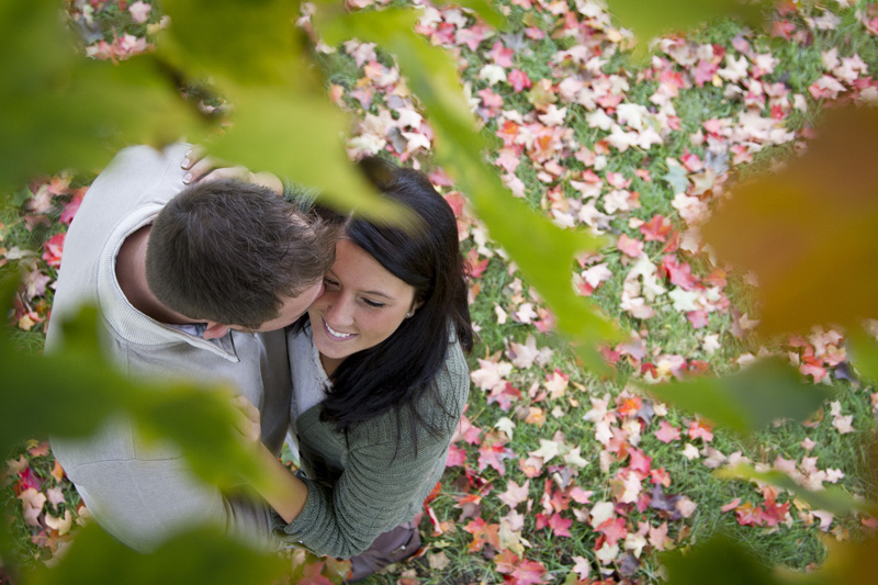 08-fall-engagment-session-aerail-shot-throught-the-colorful-leaves-photographers-climb-trees-melanie-mahonen-photography
