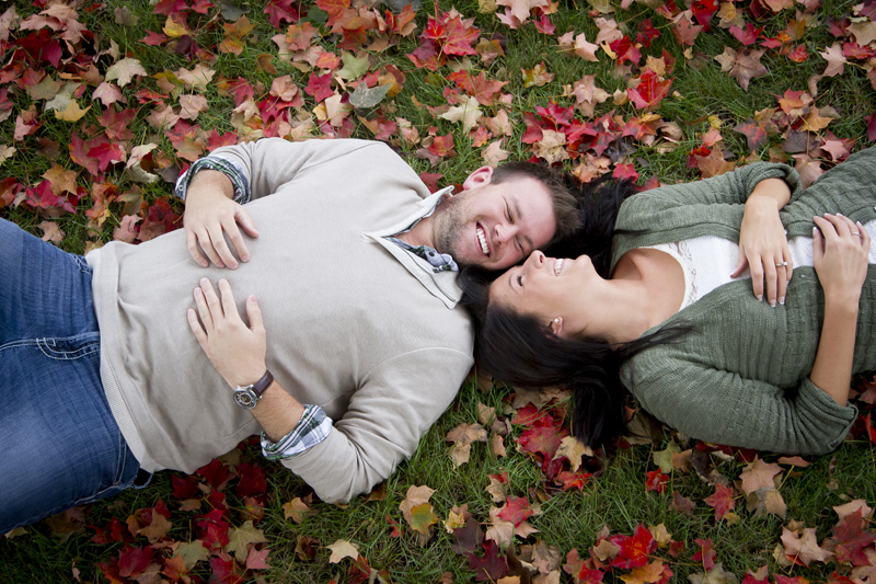 09-fall-engagment-session-colors-leaves-aerial-shot-melanie-mahonen-photography