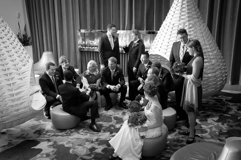 12-radisson-blu-mall-of-america-bloomington-minnesota-lobby-bridal-wedding-party-relaxing-black-and-white-melanie-mahonen-photography