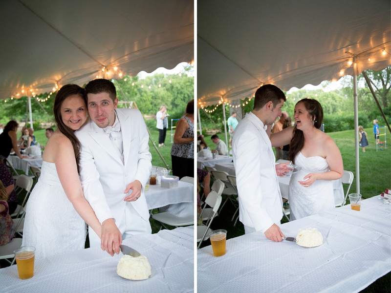 13-bride-groom-cutting-cake-casual-backyard-summer-wedding-reception-mealnie-mahonen-photography-minnesota