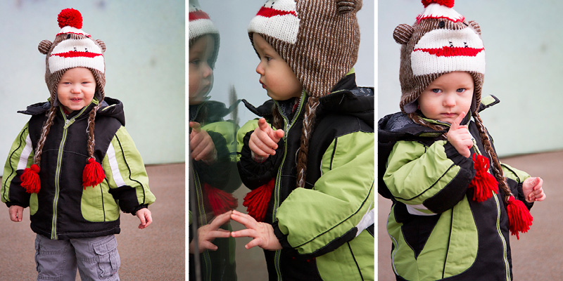 02-sock-monkey-hat-late-winter-early-spring-family-session-melanie-mahonen-photography