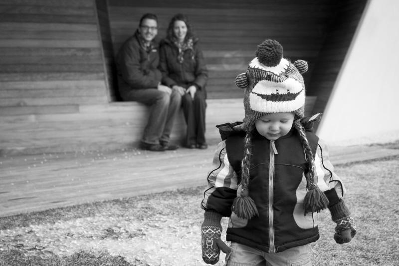 03-walker-art-center-minneapolis-minnesota-early-spring-family-session-melanie-mahonen-photography