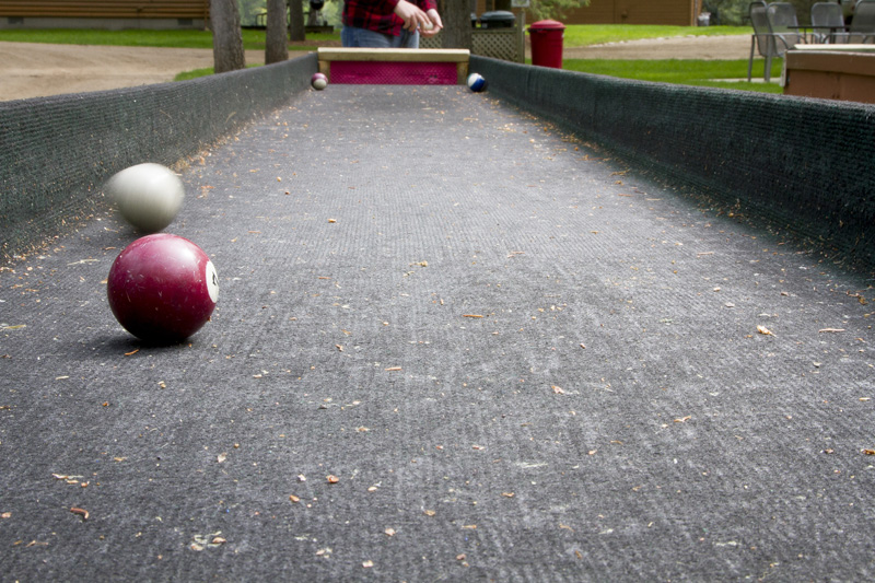 07-halfmoon-trail-vacation-photography-park-rapids-minnesota-carpet-ball-melanie-mahonen