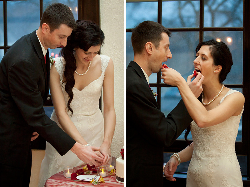 20-columbia-manor-wedding-reception-minneapolis-minnesota-cake-cutting-melanie-mahonen-photography