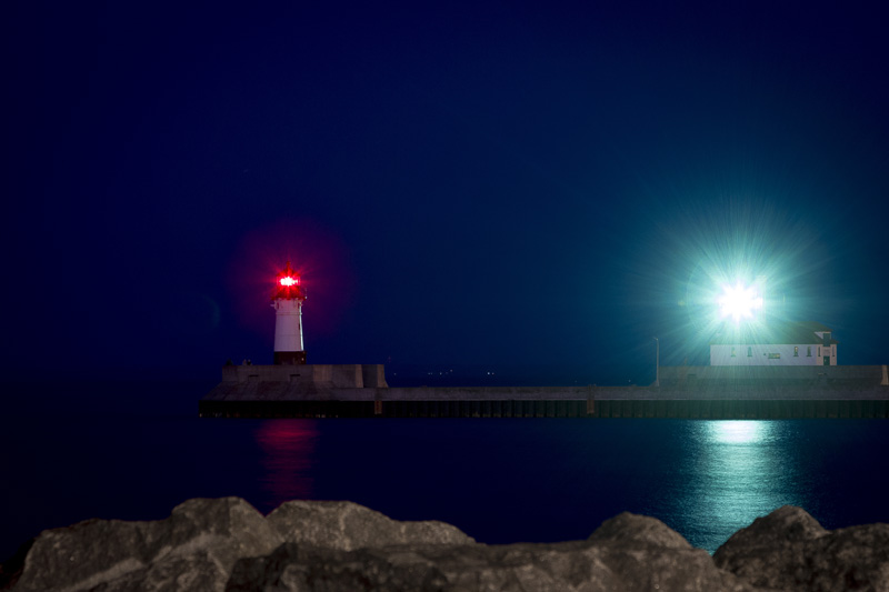 duluth-light-house-canal-park-minnesota-night-melanie-mahonen-photography
