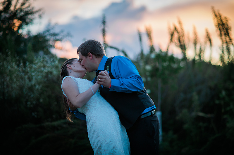 wedding-day-sneek-peak-bride-groom-sunset-historic-john-p-furber-farm-barn-cottage-grove-minnesota-summer-mahonen-photography