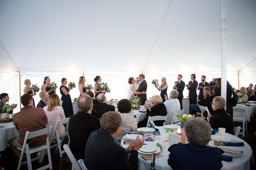 16-rainy-tent-ceremony-back-up-plan-mahonen-photography