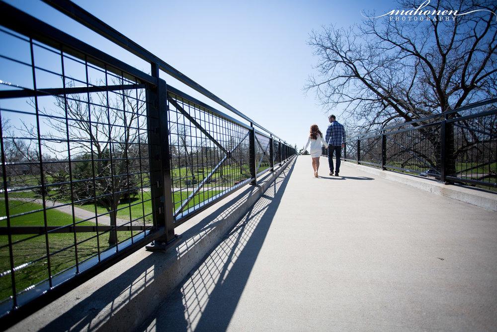 03-lake-como-engagement-session-spring-sunshine-bridge-mahonen-photography