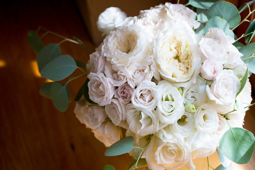 09-bridal-bouquet-white-roses-greenery-natural-window-light-mahonen-photography.jpg