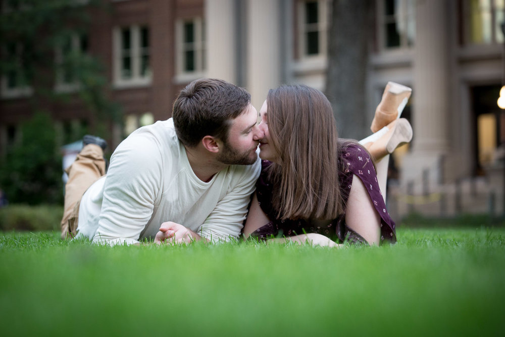 11-university-of-minnesota-the-mall-engagment-session-mahonen-photography.jpg