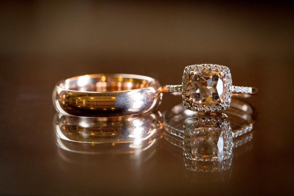 03-rose-gold-wedding-rings-detail-shot-mahonen-photography.jpg