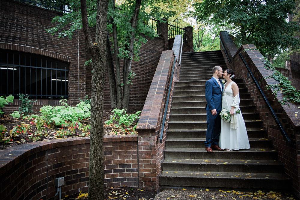22-minneapolis-wedding-portraits-city-street-mahonen-photography.jpg