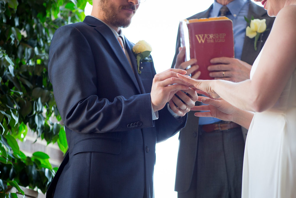 27-loring-green-wedding-ceremony-minneapolis-minnesota-ring-exchange-mahonen-photography.jpg