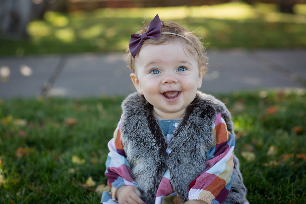 01-minnesota-fall-family-session-9-nine-month-old-girl-mill-city-minneapolis-mahonen-photography-01.jpg