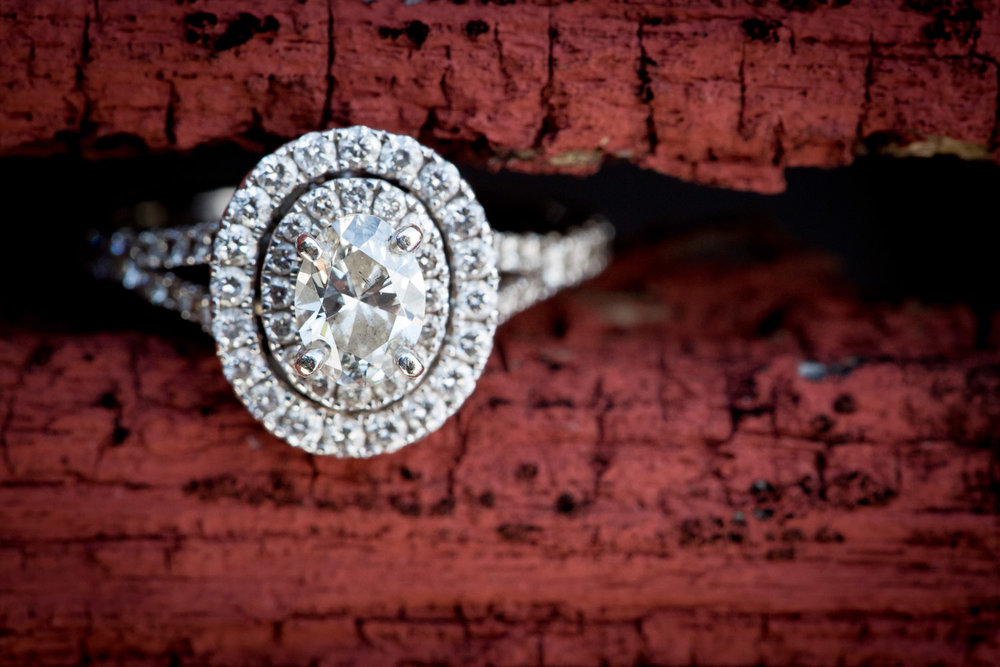 07-winter-wonderland-engagement-session-ring-detail-red-barn-wood-diamond-blue-sky-fun-sunny-snow-minnesota-minneapolis-st-paul-twin-cities-wedding-photographer-mahonen-photography.jpg