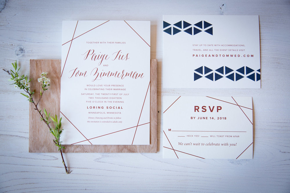 01-wedding-invitation-suite-champagne-press-geometric-shapes-mahonen-photography.jpg